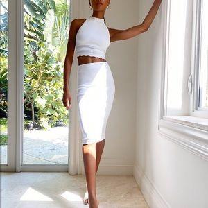 •NWT• Babaton Sculpt Knit Scallop Skirt